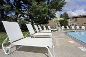 Korman Residential - Willow Shores Pool Side